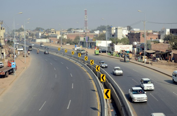 MULTAN ROAD FROM THOKAR NIAZ BAIG TO SCHEME MORR